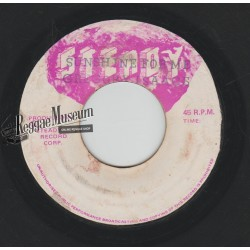 """Gregory Isaacs - The Sun Shines For Me - Steady 7"""""""