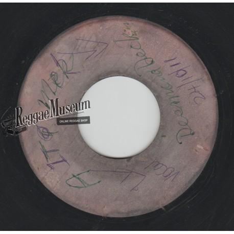 """Desmond Dekker - A It Mek - blank (Beverleys) 7"""""""